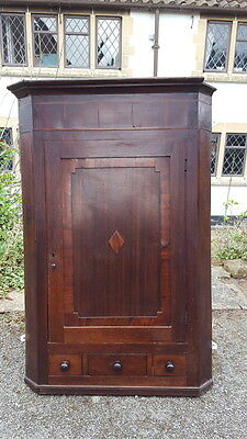 A Lovely Antique George III Mahogany and Oak Cross Banded Corner Cabinet c.1800