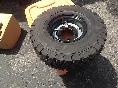 Tennant Oem Sweeper Pneumatic Drive Tire Assembly Part Number 70287