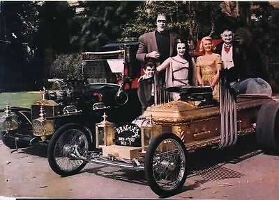 1960s MUNSTERS TV show cast promo photo Munster Koach and Dragula magnet - new!
