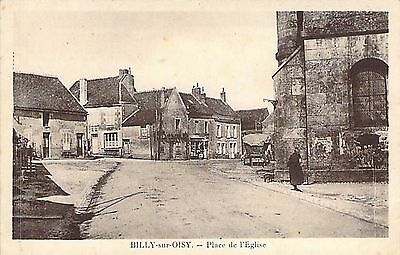 BILLY SUR OISY - Place Eglise
