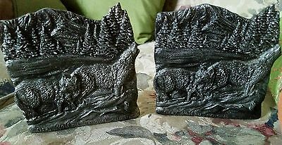 National Wildlife Gray Wolf Metal Bookends
