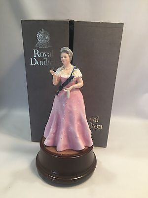 Royal Doulton Figurine HM Queen Elizabeth the Queen Mother HN2882