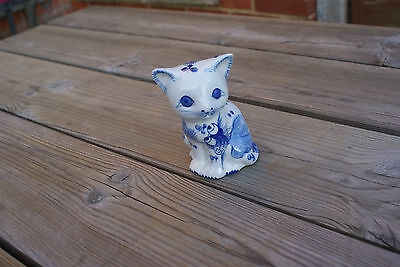Vintage Oriental Chinese Cat Ornament Blue & White China Hand Painted Goldfish