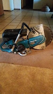 """Makita 73cc 14"""" Gas saw low hours on it"""
