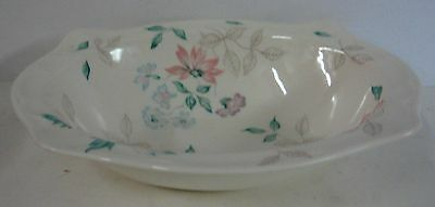 """Johnson Brothers LYNTON (NEW STYLE) 9"""" Oval Vegetable Serving Bowl"""