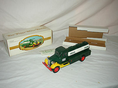 1983 Hess Truck In Original Box With Inserts & Battery Card Lot #u-2