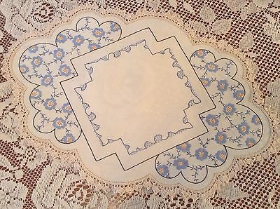 Stunning Large Vintage Embroidered Doily Table Linen Centre Piece