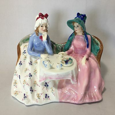Royal Doulton Figurine Afternoon Tea HN1747 Mint Condition