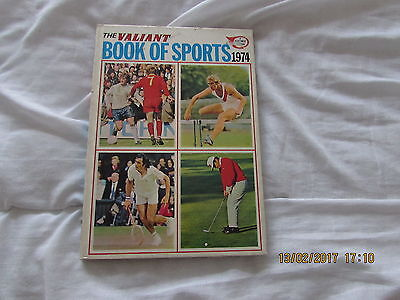 THE VALIANT BOOK  of SPORTS  1974 GOOD  CONDITION FOR  AGE