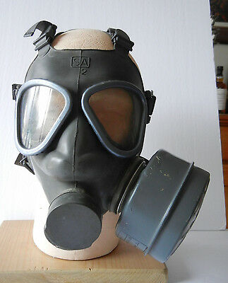 M 61  Gas Mask With Bag