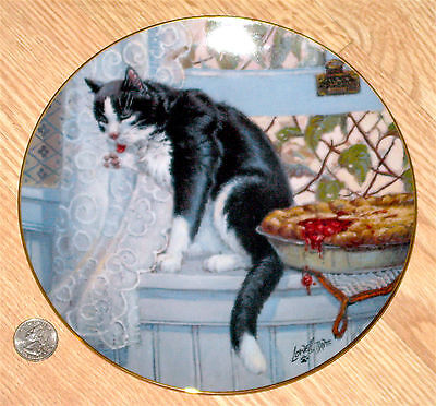 CAT TALES SECOND EDITION porcelain plate LOWELL DAVIS Company' Coming 1982