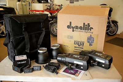 DYNALITE Baja B4 set - two lights w/reflectors, travel case, Canon HSS trigger