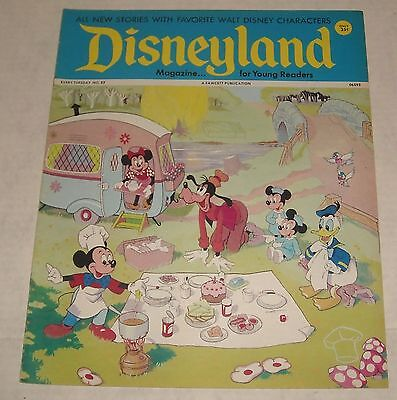 Fawcett DISNEY 1973 DISNEYLAND MAGAZINE #52 MICKEY MINNIE DONALD & GOOFY cover