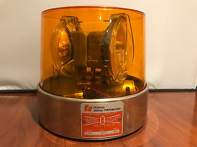 Vintage Federal Sign & Signal Corporation Model 14 Flashing Rotating Light AMBER