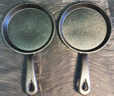 Vintage 2pc Lot of Small Round Cast Iron Egg Skillet Pans Set