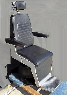 Topcon Optometry Chair In Very Nice Condition.