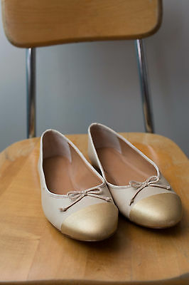 J.Crew tan Leather Ballet Shoes Flats Gold Toe with bow 7.5
