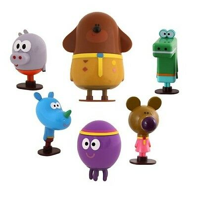 Hey Duggee 5pc Squirrels Figurine Set With Duggee