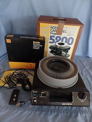 Kodak CAROUSEL Slide PROJECTOR 5200 Built-in Screen remote instructions carousel