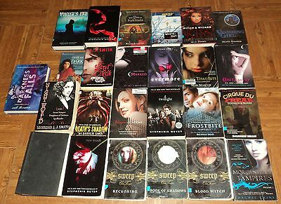 "VAMPIRE / THRILLER / MYSTERY ""TEEN"" BOOK COLLECTION - Lot of 25 - Great Reads"