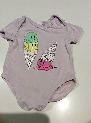 Mambo baby girl onezie size 3 to 6 months / 00