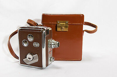 VINTAGE REVERE 8 MOVIE CAMERA MODEL 40 with LEATHER CASE