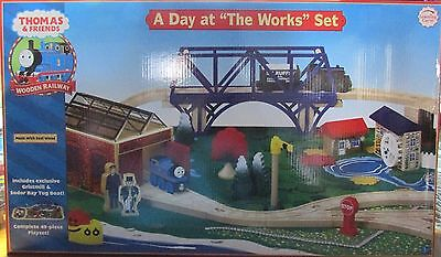 THOMAS the TANK & FRIENDS - A DAY AT THE WORKS SET! **2007/RED LABEL/RARE/NEW**
