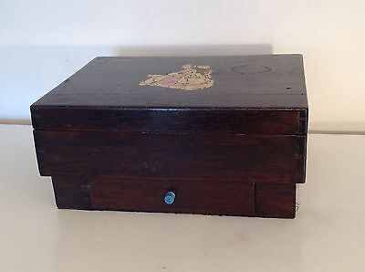 ANTIQUE WOODEN BOX CHEST with DRAW PICTURE DESIGN LID