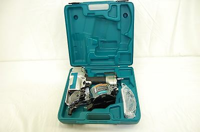 Makita AN611 2-1/2 In. 15 Degree Siding Coil Nailer