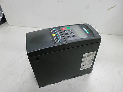 SIEMENS MICROMASTER 440 -- VFD  1.5kW -- 380-480AC Supply - 6SE6440-2UD21-5AA1