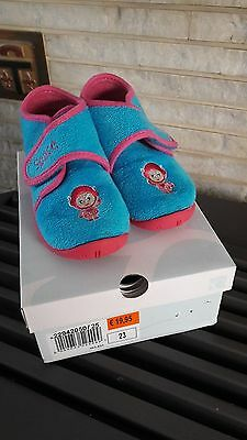 Chaussons pantoufles rose bleu pointure taille maat grootte 23 BRANTANO Fille