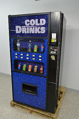 Royal Vendors Merlin IV RVDVE650-10 VENDING MACHINE w/ KEY Pop Soda Snack