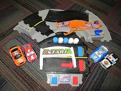 Fisher Price Shake 'n Go Speedway / Race Track With 4 Cars, Home Depot, Police