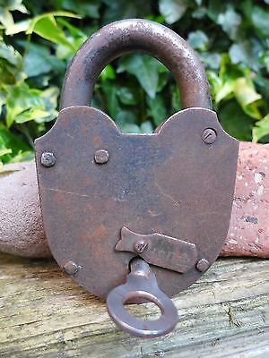 Antique Vintage Large Padlock with one keys working order hobby, 1165 g - 09