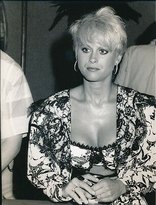 Lorrie Morgan - Original Candid Photo - 1991