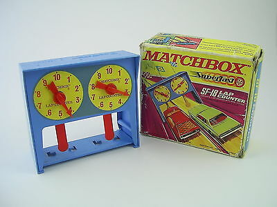 Matchbox Superfast SF-18 Lap Counter Set, Boxed