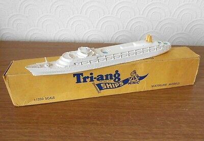 Triang Minic RMS Canberra M715 Liner model with box vintage 1960`s