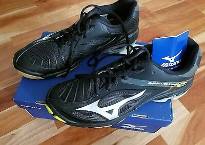 Mizuno Men's Wave Lightning Z3 Volleyball size 10 Shoes - Black & Silver