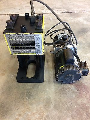 Weatherhead T-400 Hydraulic hose crimper with fitting and bin .