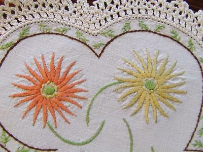 Lovely Hand Embroidered Vintage Centre Doily - Shasta Daisies - Crocheted Edging
