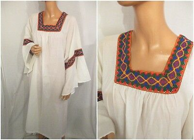 TRUE VINTAGE 1970s WHITE KAFTAN MULTI COLOUR LACE TRIM HIPPY FESTIVAL ONE SIZE