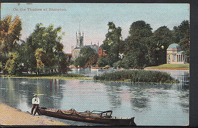 Middlesex Postcard - On The Thames at Hampton    RS2840