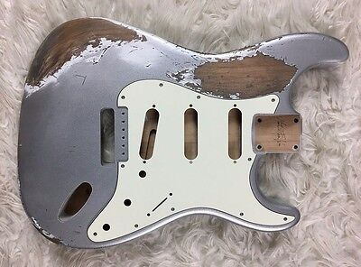 Body guitar Fender Stratocaster style heavy RELIC aged SILVER SPARKLE nitro SSS