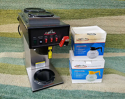 Newco FC-S3 Commercial Coffee Pro Brewer 3 Burner Instant Hot Water +2 Decanters