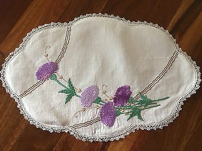 Beautiful Vintage Linen Purple Carnations Embroidered Centrepiece doily Exc