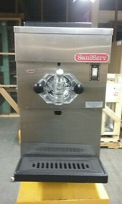 SaniServ model 401 Soft Serve Machine, Used, in great Condition, Lightly Used