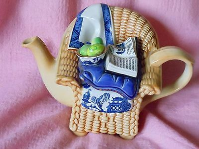 Paul Cardew Royal Doulton 'Real willow' wicker chair teapot