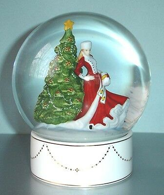 Royal Doulton Snow Globe CHRISTMAS DAY Pretty Ladies HN5523 Limited Edt New Box