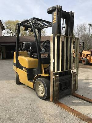 """2011 Yale 6000 Lb Used Forklift 189"""" Triple Mast  Non Marking Cushion Tires"""