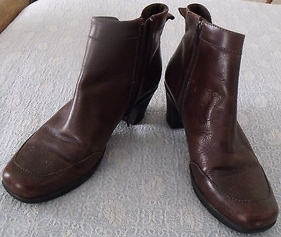 Clarks Block High Heel Brown Leather Dress Ankle Zip Bendable Boots  12M